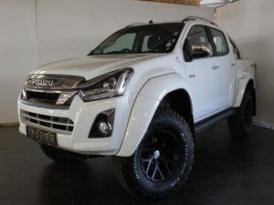 CMH Isuzu East Rand- isuzu D-Max Artic front view white
