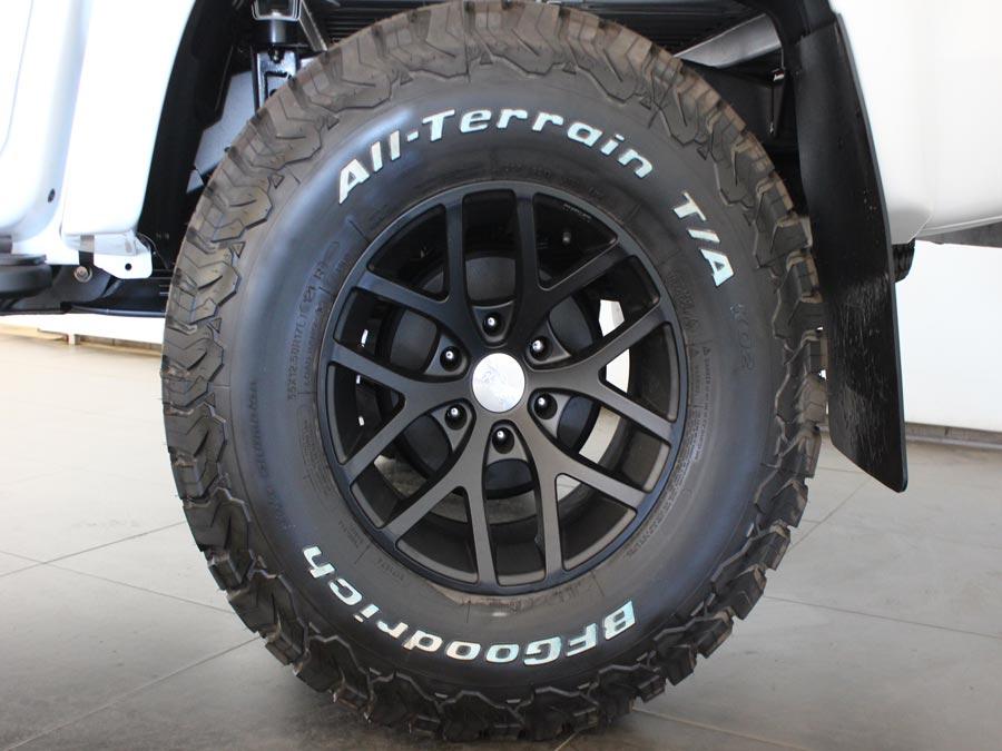 CMH Isuzu East Rand- isuzu D-Max  Artic Black Rim Wheel